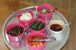 disediakan nambah gratis bagi yang doyan kimchi