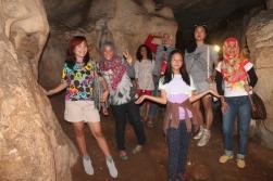 Di dalam gua londa